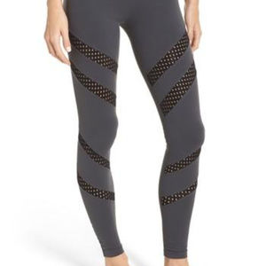 NEW Beyond Yoga Make a Slash High Waist Leggings